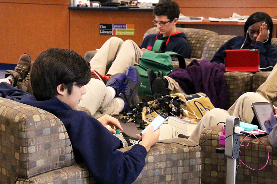 During E period on Nov. 30, students gather study in the library, and place that will be even busier as December finals approach.