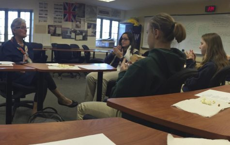 ASL Club members learn a new language