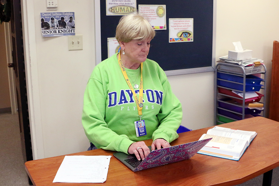 English teacher Mrs. Melina Bundy records attendance during her G period class on Jan. 31. Bundy offered suggestions to parents who will attend parent/teacher conferences on Feb. 7.