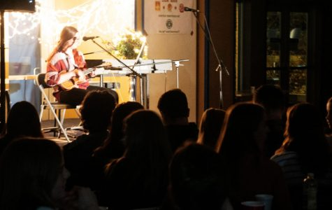 Coffee House Jam gives students chance to perform