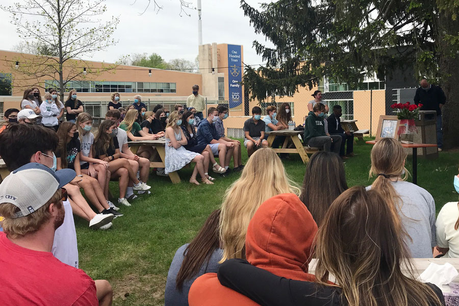 Students, faculty and staff gathered on campus on May 2 to honor the memory of junior Lendon Byram.